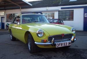 Yellow V8 img.17